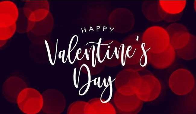 Ο Άγιος Βαλεντίνος Όλοι παγκοσμίως γνωρίζουν για την περίφημη ημέρα των ερωτευμένων! Κάθε χρόνο στις 14 Φεβρουαρίου, θα δείτε ζευγάρια να περπατούν κρατώντας λουλούδια, σοκολατάκια, φουσκωτά κατακόκκινα μπαλόνια καρδιάς. Και οποιοδήποτε άλλο ρομαντικό δώρο μπορεί να σας περάσει από το μυαλό! Η 14 Φεβρουαρίου, λοιπόν, είναι η μέρα που γιορτάζει ο Άγιος Βαλεντίνος, δηλαδή ο […]