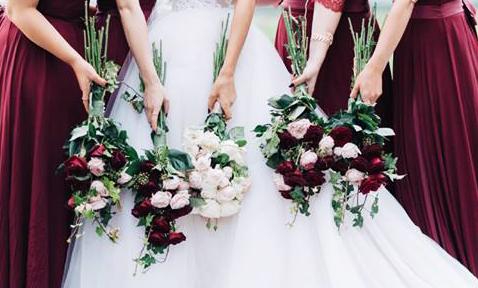 Όπως είπαμε και στο πρώτο μέρος του άρθρου, το τρίπτυχο επιτυχίας είναι απλό και εύκολο! Βάλτε την προσωπική σας σφραγίδα στον γάμο σας και εντυπωσιάστε! Συνεχίζουμε με ιδέες για τον χώρο της δεξίωσης και προτάσεις για τα social media!