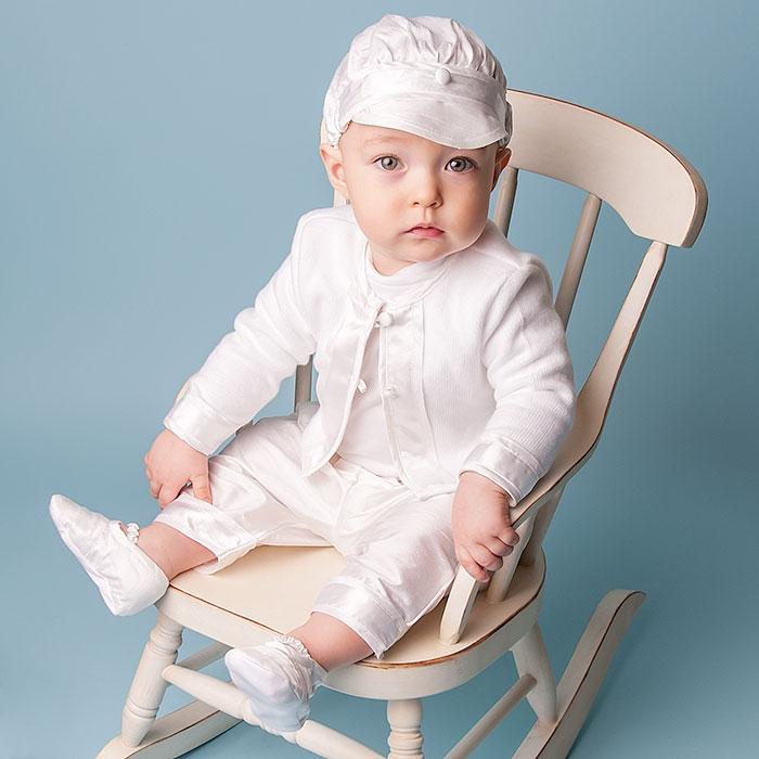 Καλώς ήρθατε σε ακόμη ένα νέο και μοναδικό άρθρο στο blog του e-prosklitirio.gr. Σήμερα επιστρέφουμε ξανά σε συμβουλές για τη βάπτιση του μικρού μας πρίγκιπα! Ρίχνοντας μια ματιά στη σελίδα μας θα βρείτε κλασικά μπλε ή γαλάζια, ναυτικά, vintage ή personalized σετ βάπτισης απόλυτα συνδυασμένα μεταξύ τους σε πολύ συμφέρουσες τιμές και σε μεγάλη ποικιλία […]
