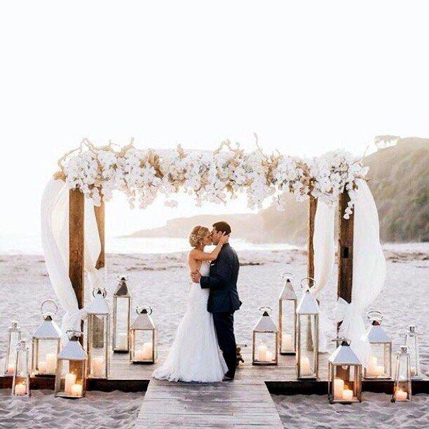 Σκέφτεστε να σχεδιάσετε έναν παραθαλάσσιο γάμο;Εδώ είναι όσα πρέπει να ξέρετεπριν κάθε βήμα σας!Αν ψάχνετε για έναν μικρό, απλό, και φυσικό γάμο, ο γάμος σε παραλία είναι η τέλεια λύση.Αν πάλι θέλετε να καλέσετε πολλά άτομα, σκεφτείτε ένα γεμάτο διασκέδαση γαμήλιο Σαββατοκύριακο σε ένα πλούσιο με δραστηριότητες θέρετρο δίπλα στην θάλασσα.Οτιδήποτε αποφασίσετε, οι γάμοι στην […]