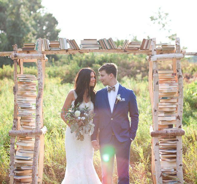 Όταν πρόκειται για θέματα γάμου, υπάρχουν τόσα πολλά, διαφορετικά και δημιουργικά για να διαλέξετε. Παρακάτω, έχουμε συγκεντρώσει παραδείγματα των 5 πιο δημοφιλών θεμάτων φθινοπωρινού γάμου, από το πιο κομψό έως το παιχνιδιάρικο και όλα τα ενδιάμεσα.Σήμερα επικεντρωνόμαστε κυρίως στο πώς να μεταφράσουμε αυτά τα συναρπαστικά φθινοπωρινά θέματα γάμου απευθείας στο διακοσμητικό πίνακα. Οι παρακάτω ιδέες […]
