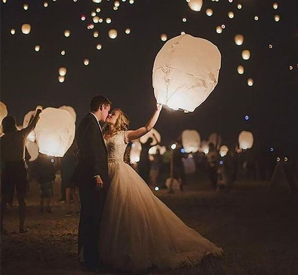 Θέλετε να διοργανώσετε τον τέλειο φθινοπωρινό γάμο; Είμαστε δίπλα σας σε κάθε σας βήμα! Συνεχίζουμε με άλλες έξι ιδέες που θα σας προσφέρουν έναν εντυπωσιακό γάμο με άρωμα φθινοπώρου! Διαβάστε παρακάτω και κρατήστε σημειώσεις…