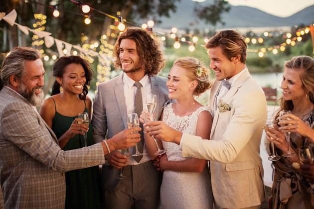 Όταν σχεδιάζετε τον γάμο σας υπάρχουν συμβουλές οργάνωσης που είναι καλό να γνωρίζετε. Έπειτα υπάρχουν πράγματα που πρέπει να γνωρίζετε . Υπάρχουν συμβουλές και κόλπα τόσο απαραίτητα που θα κάνουν κάθε νύφη που έχει την τύχη νατα ακούσει να πει «Είμαι τόσο χαρούμενη που κάποιος μου το είπε αυτό!». Αν αναρωτιέστε αν υπάρχει κάτι που […]