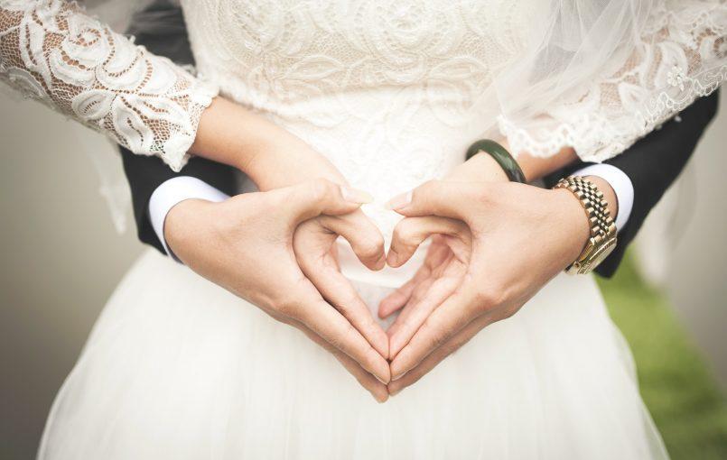 Δεν έχει σημασία το πόσους γάμους έχετε παρακολουθήσει στο παρελθόν. Πάντα θα υπάρχουν μερικές αλήθειες για τις οποίες δεν γνωρίζατε μέχρι την ημέρα του γάμου σας!