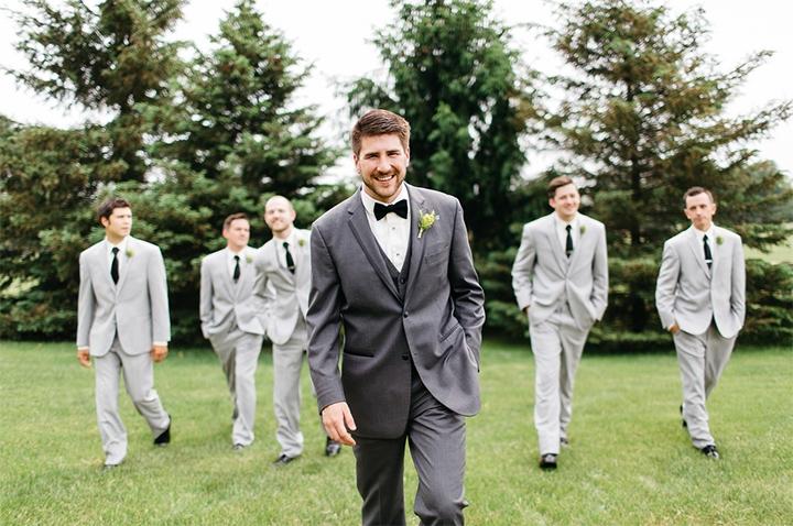 Συνεχίζουμε με τις βασικές προτεραιότητες του γαμπρού στην ημέρα του γάμου του. Δώστε βάση κι εντυπωσιάστε!