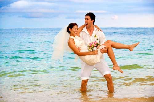 Ο μήνας του μέλιτος, άσχετα από το αν είναι ακριβώς μετά τον γάμο ή πιο μετά, θα πρέπει να είναι άψογος και ιδανικός. Συγκεντρώσαμε τους καλύτερους προορισμούς ανά μήνα του έτους και σας τους παρουσιάζουμε!